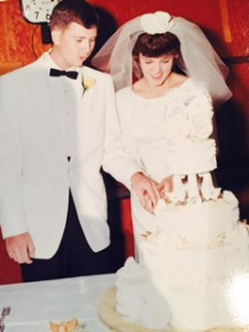 mom and dad wedding cake 1